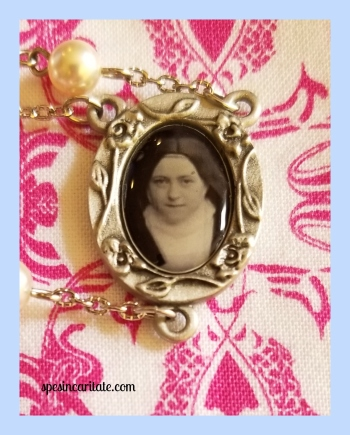 St  Therese Themed Rosary – Spes in Caritate